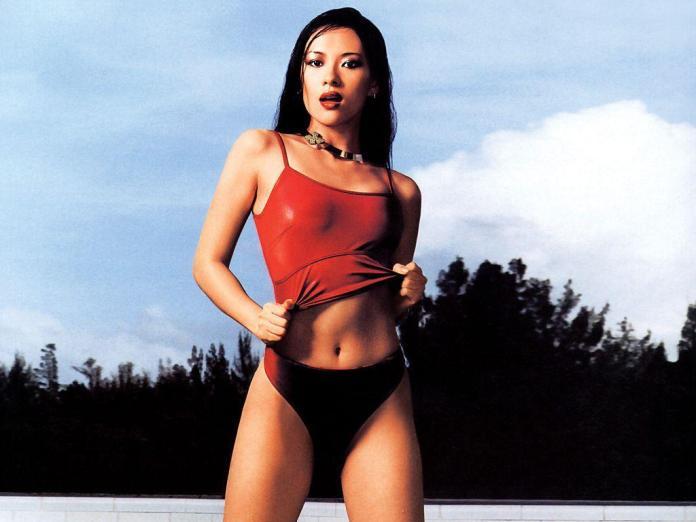 Zhang Ziyi sexy look