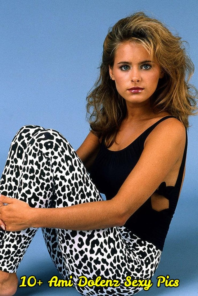 18 Sexiest Pictures Of Ami Dolenz | CBG