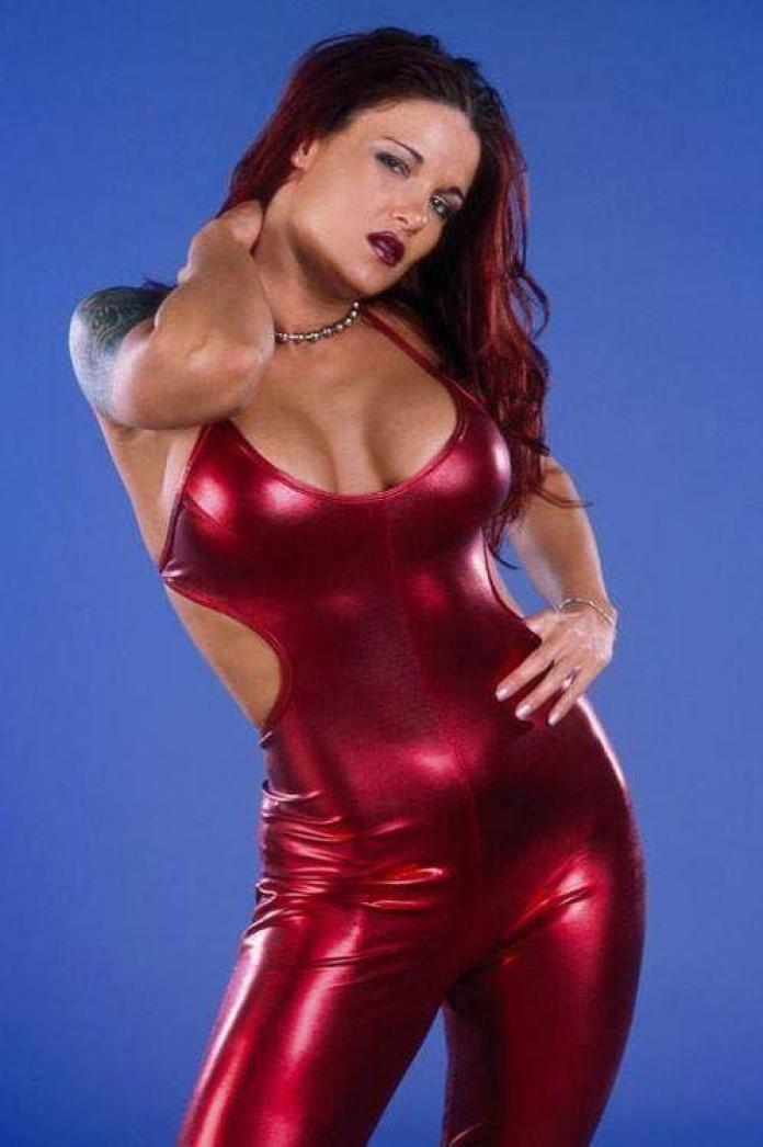 Amy Dumas big busty pics