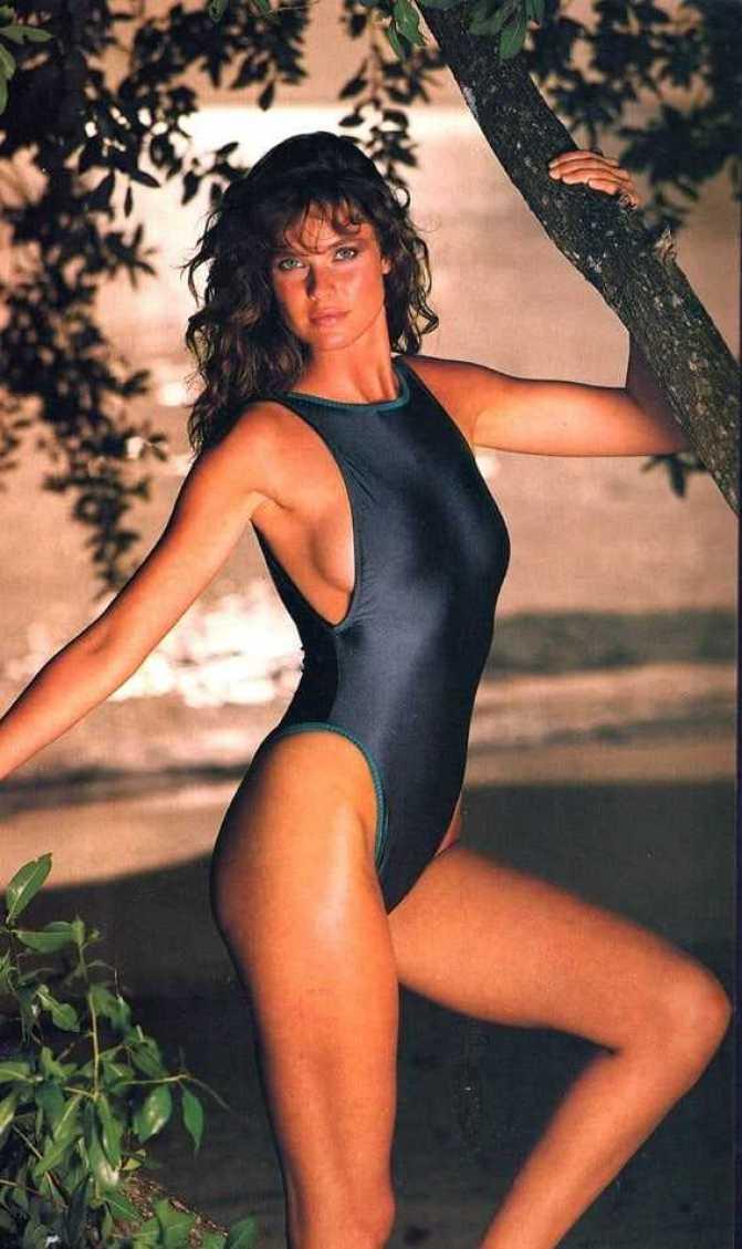 Carol Alt Nude - 4 Pictures: Rating 9.18/10