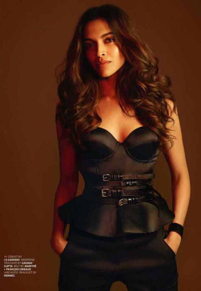 Deepika Padukone cleavage pics