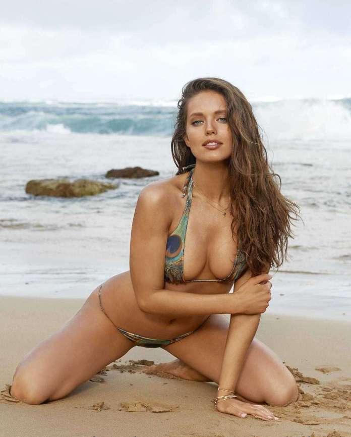 Emily DiDonato cleavage pics