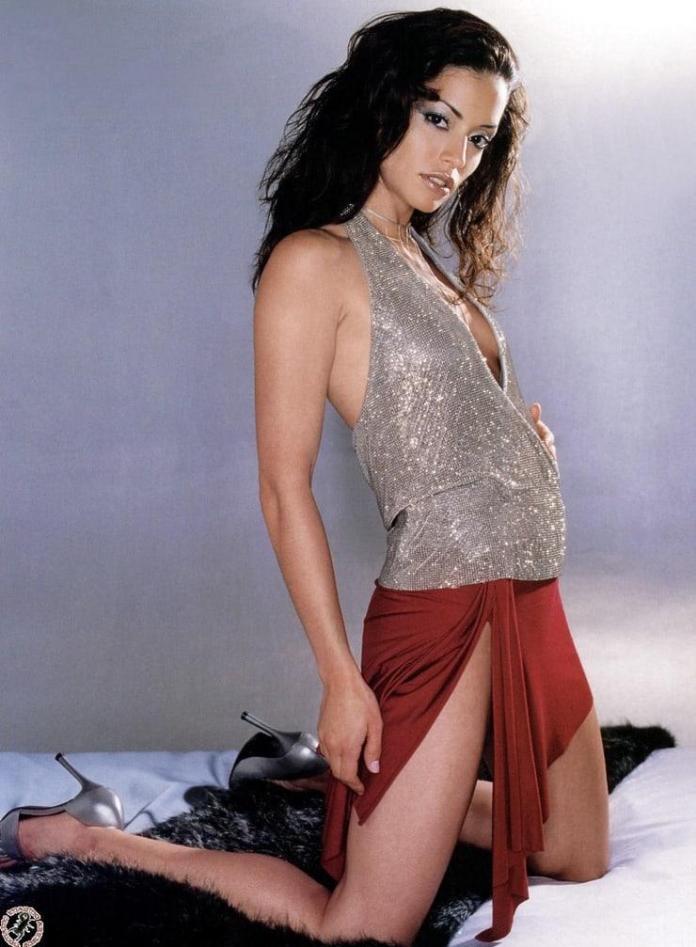 Emmanuelle Vaugier sexy look