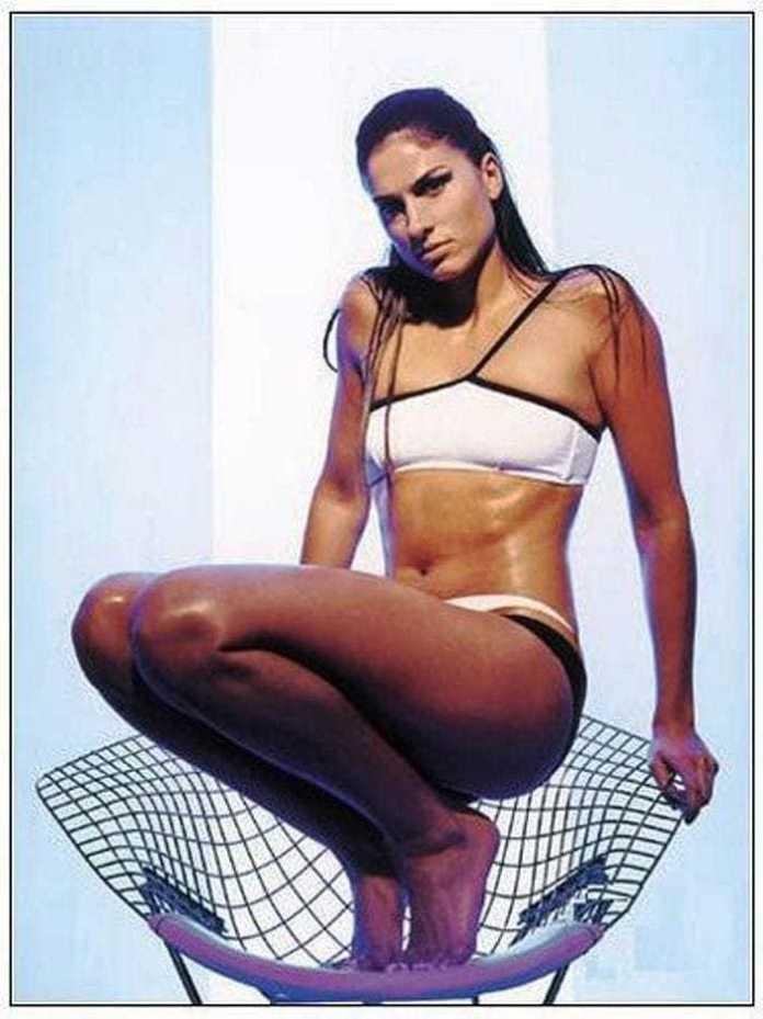 Gabriela Sabatini sexy look pics