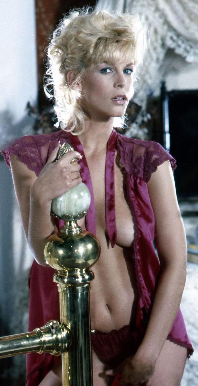 Jamie Lee Curtis sexy cleavage pics