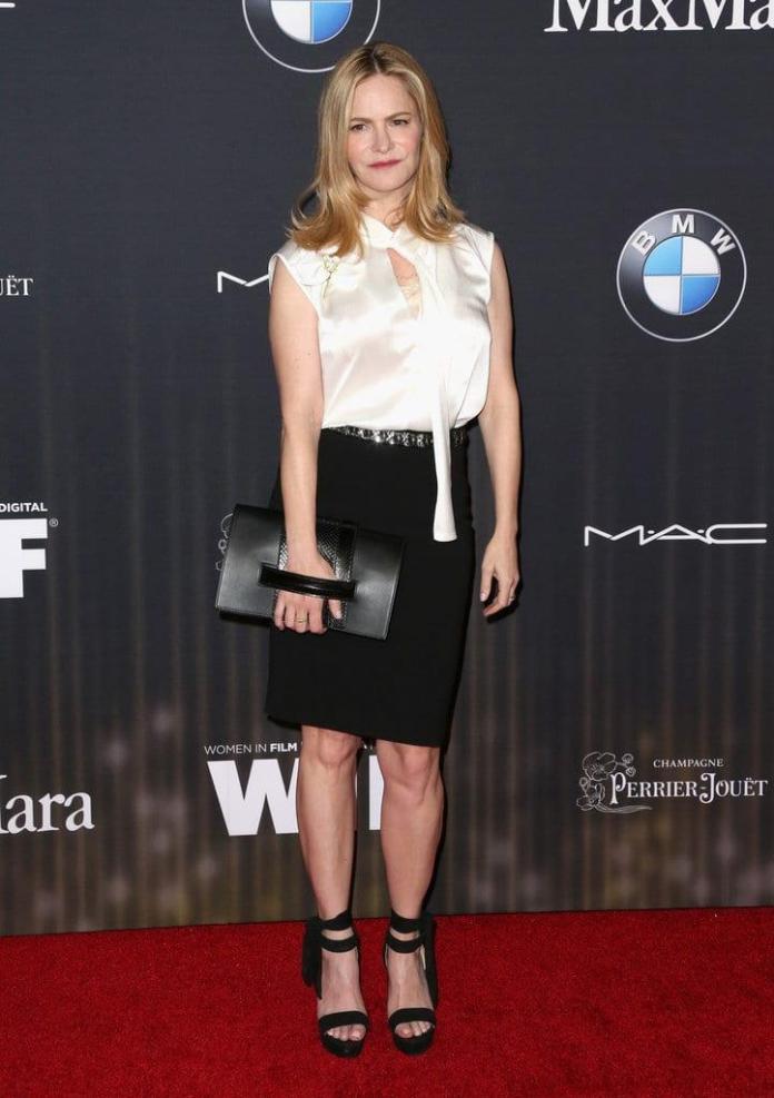 Jennifer Jason Leigh red carpet