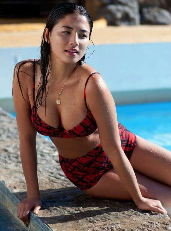 Jessica Gomes amazing tits pics
