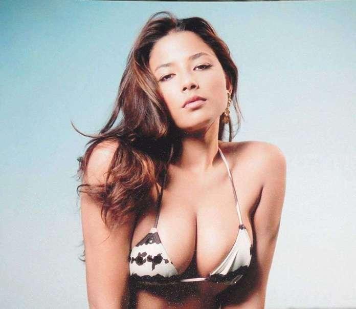 Jessica Gomes big boobs pics