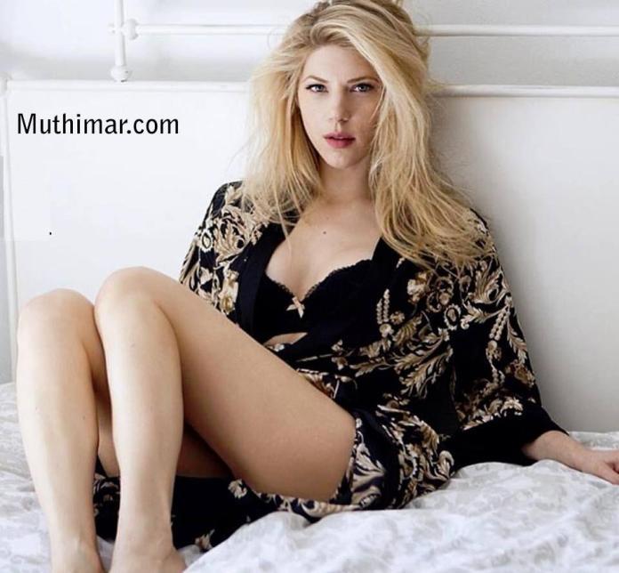 Katheryn Winnick sexy look pics