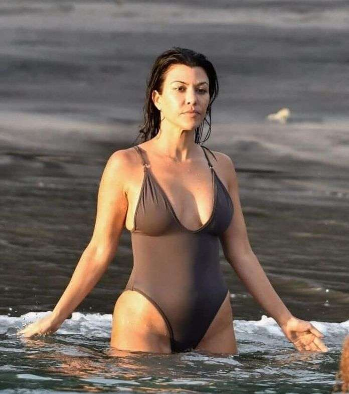 Kourtney Kardashian big boobs pics
