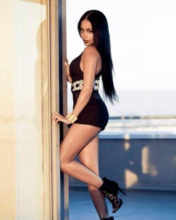 Lauren London sexy side butt pics