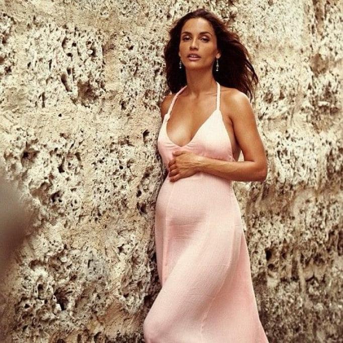 Leonor Varela cleavage