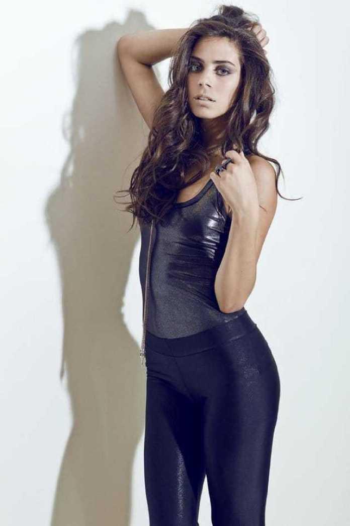 Lorenza Izzo sexy side butt pics