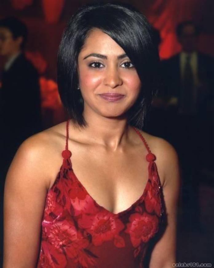 Parminder Nagra sexy cleavage