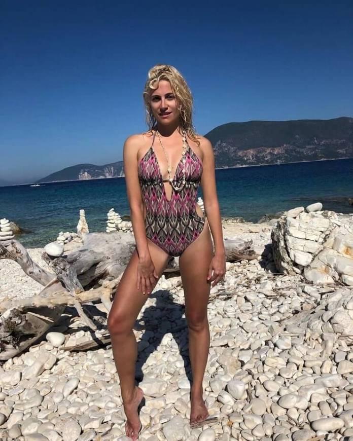 Pixie Lott sexy lingerie pics