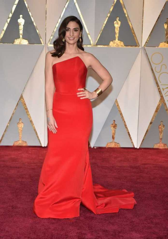 Sara Bareilles sexy red dress pics