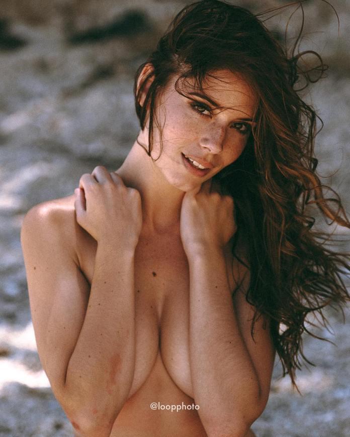 Simone De Kock topless
