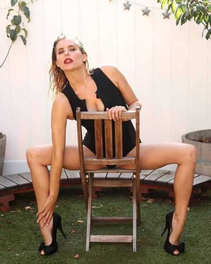 Susie Abromeit hot look pics