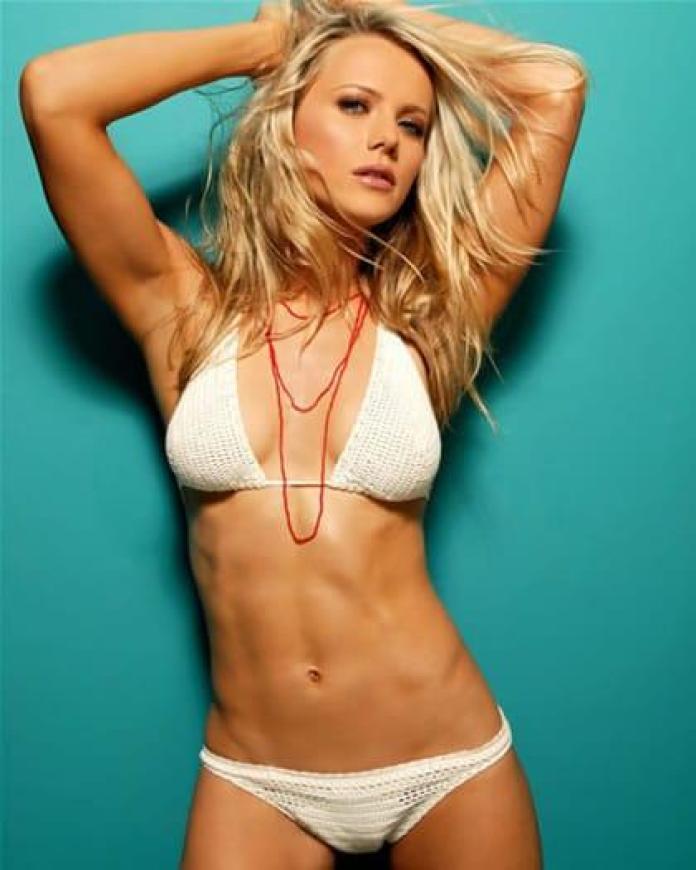 Tanja Reichert hot look pics (2)