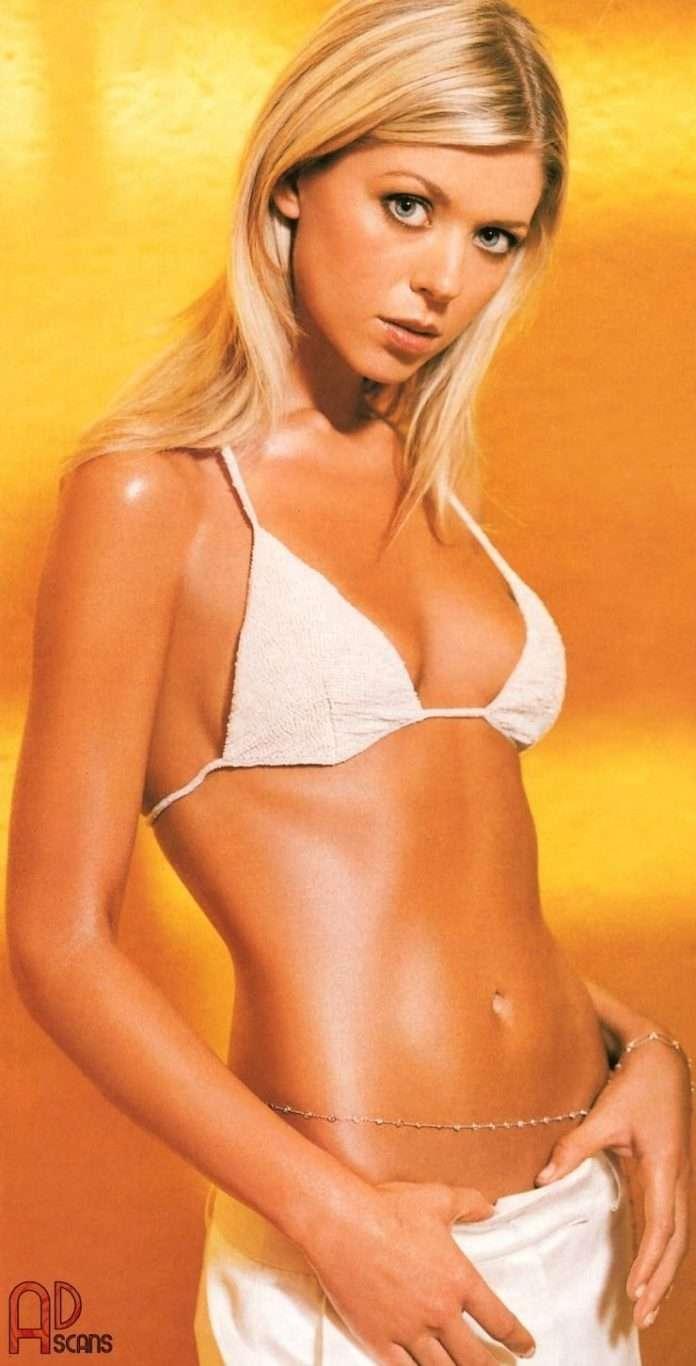 Tara Reid sexy side boobs pics