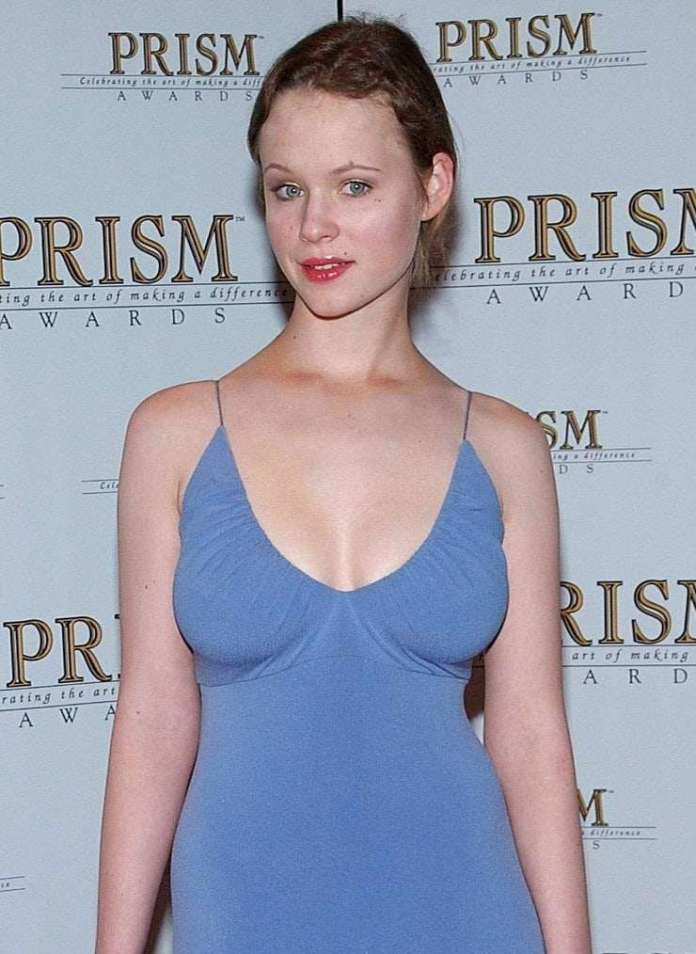 Thora Birch hot