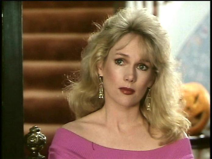 julia duffy lips