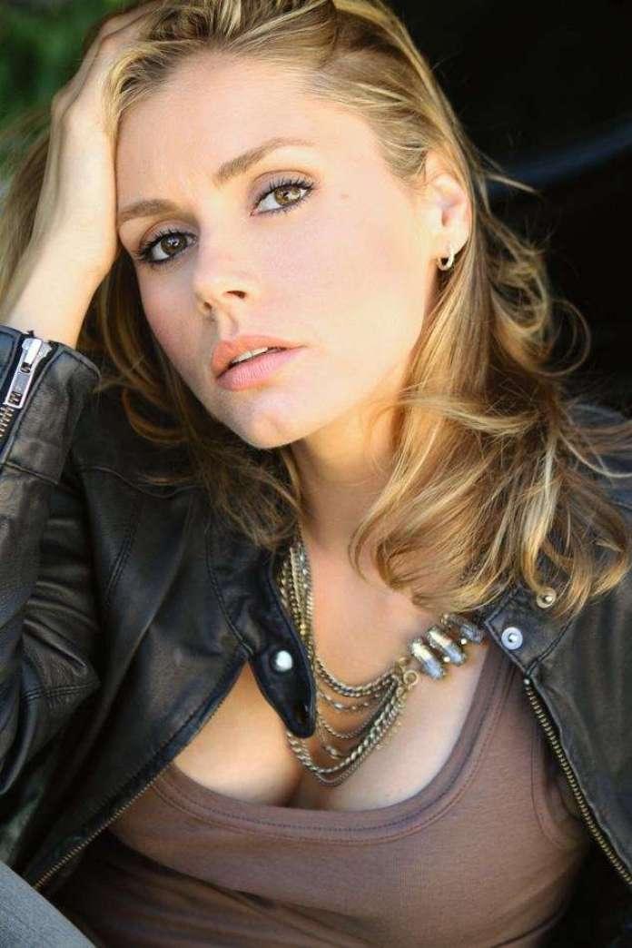 Brianna Brown hot pics