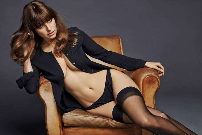 Lake Bell hot pic