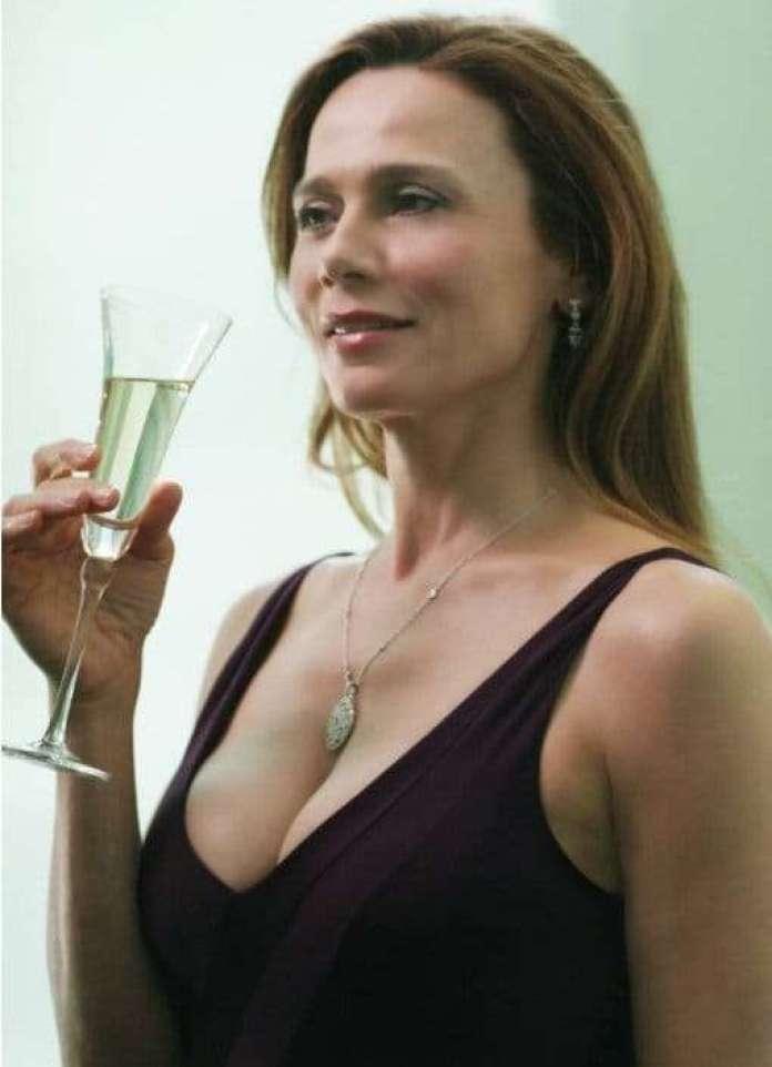 Lena Olin sexy pic