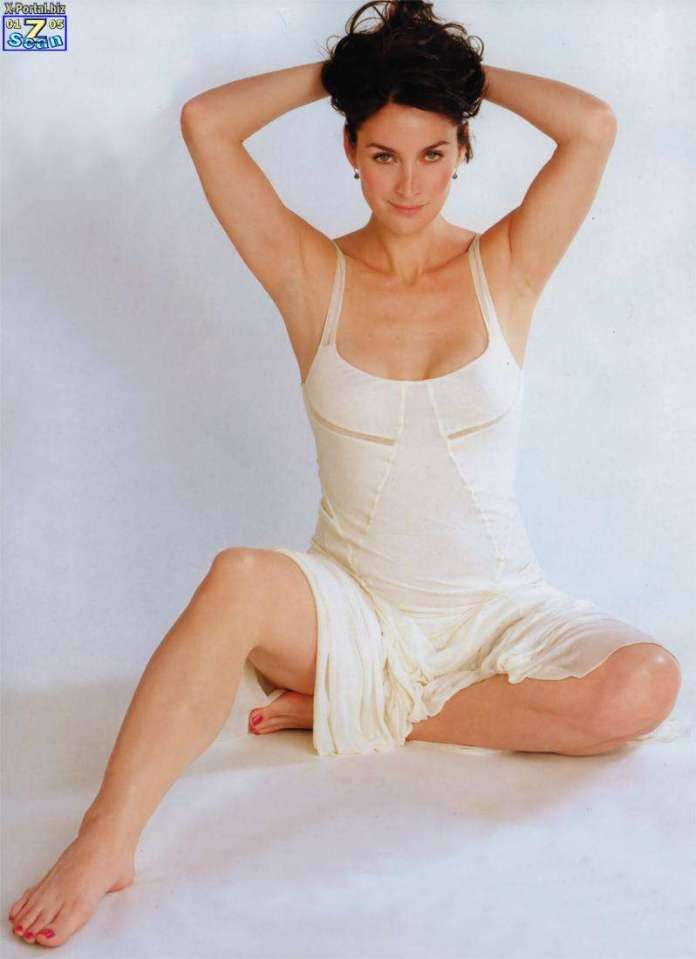 carrie-anne moss bare feet
