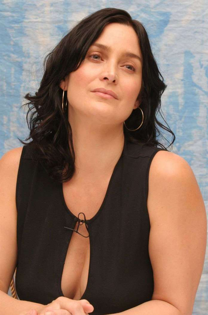 carrie-anne moss cleavage