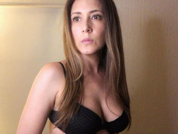 magali boyselle sexy boobs