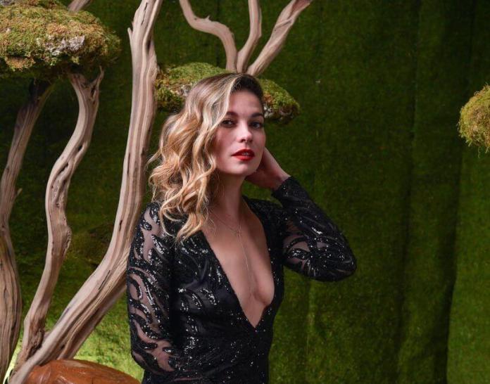 Annie Murphy boobs pics