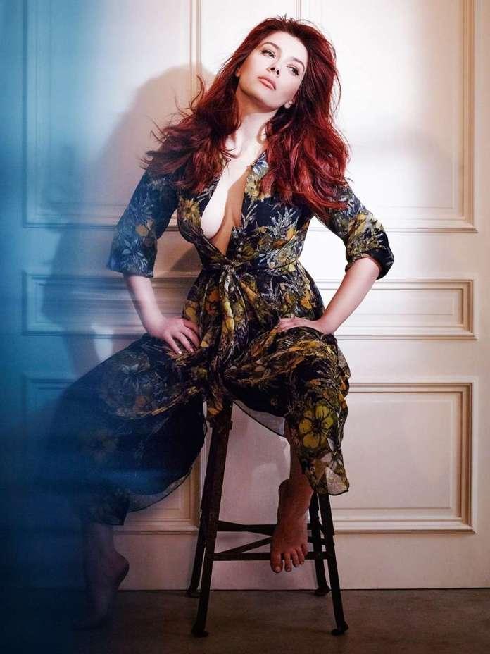 Elena Satine hot look