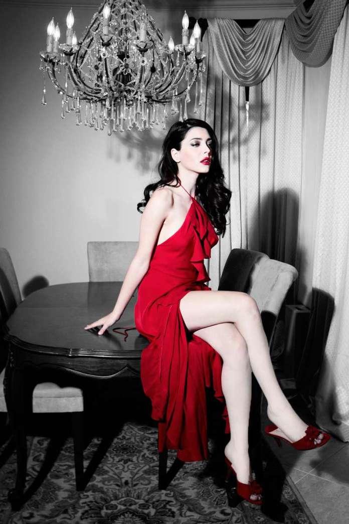 Elena Satine hot pics