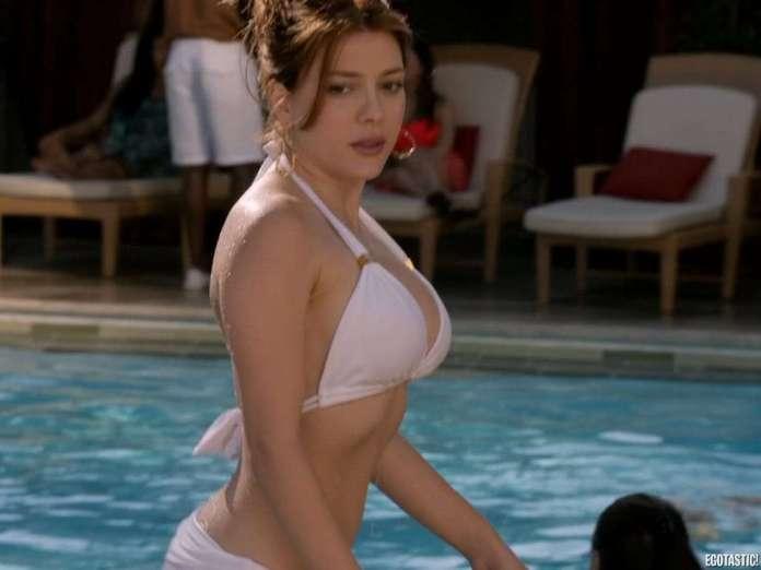 Elena Satine sexy pic