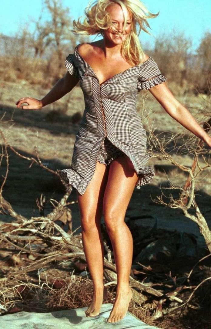 Emma Bunton sexy