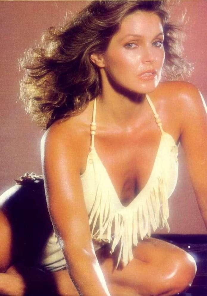 Priscilla Presley hot look