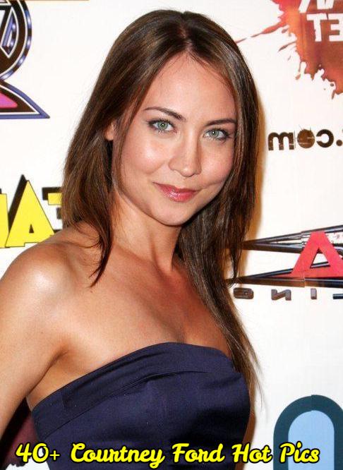 Sexy Stephanie Courtney