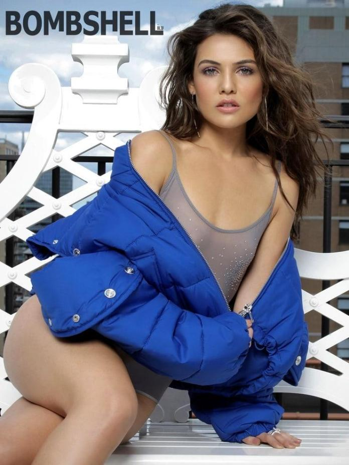 Danielle Campbell Sexy