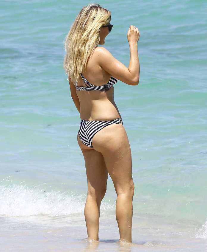 Ellie Goulding booty pics