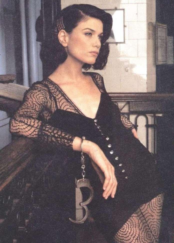 Linda Fiorentino sexy