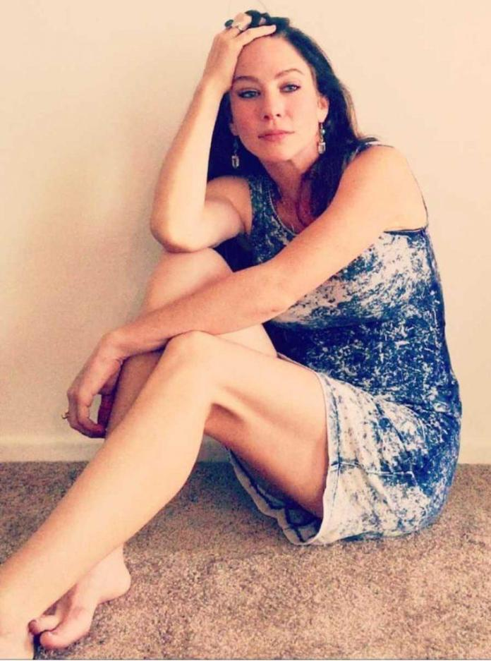 Lynn Collins feet pics