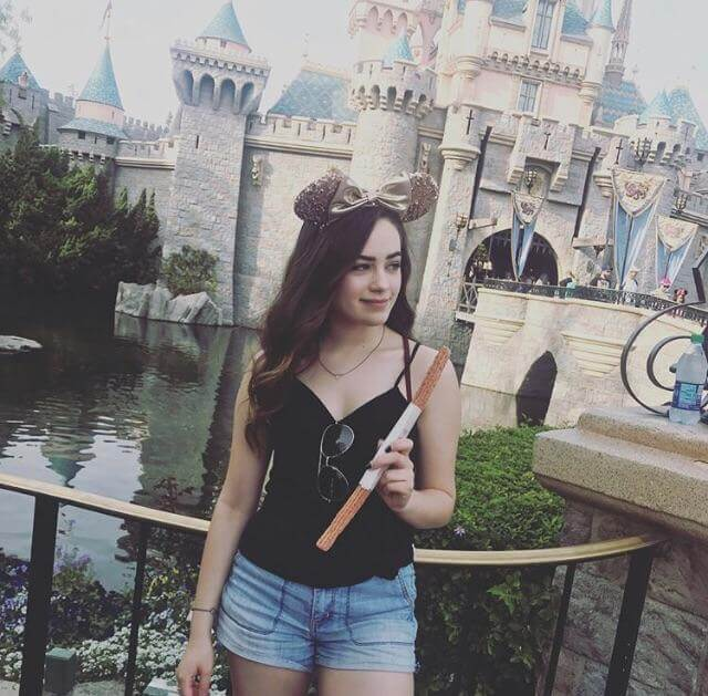 Mary Mouser sexy looks