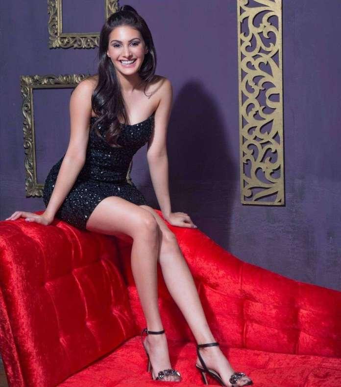 Amyra Dastur hot look