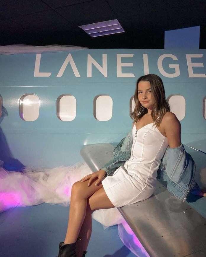 Annie LeBlanc hot pics