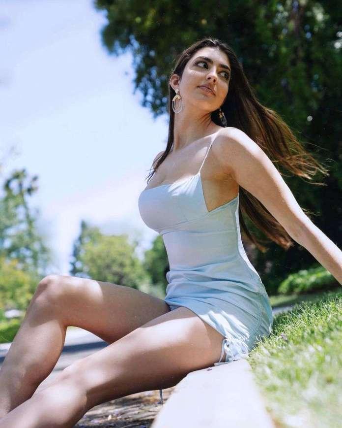 Rachel Levin sexy