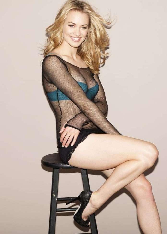 Yvonne Strahovski hot look