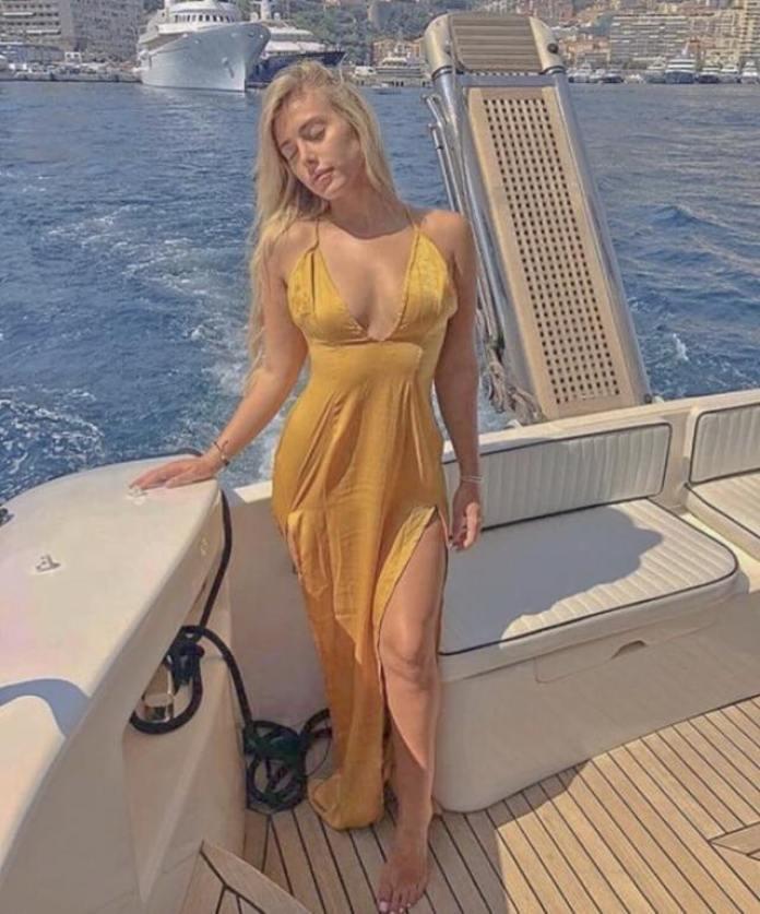 Ellie Brown sexy
