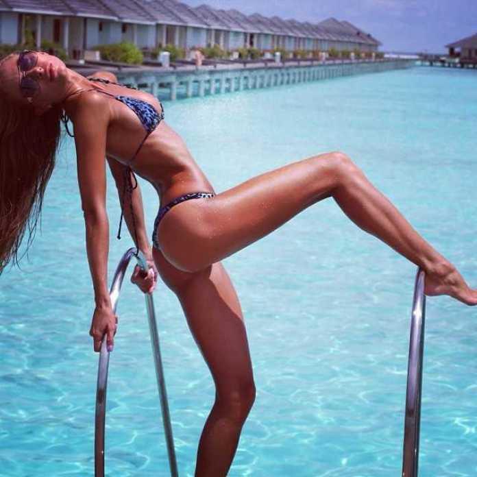 Galinka Mirgaeva sexy thigh